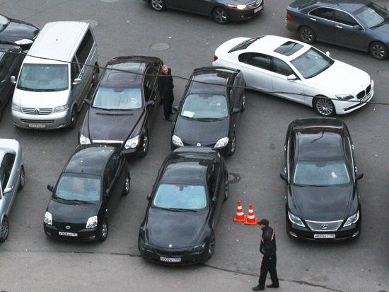 Платные парковки в столице все ближе к референдуму