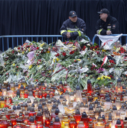 В Варшаве прощаются с Лехом и Марией Качиньскими