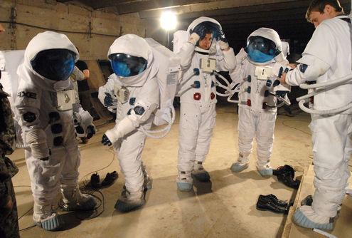 Из под земли - в космос