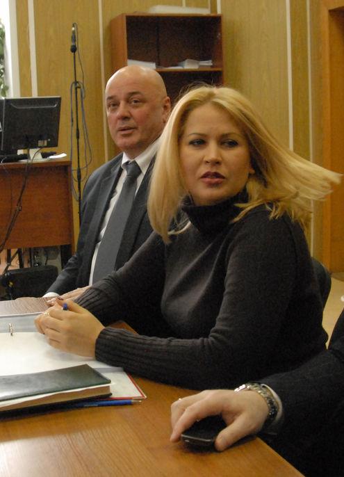 Суд продлил домашний арест Васильевой