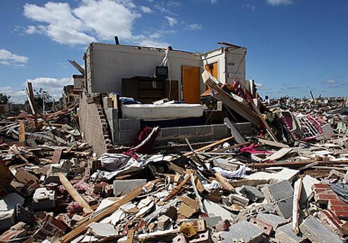 Самые разрушительные торнадо обрушились на США