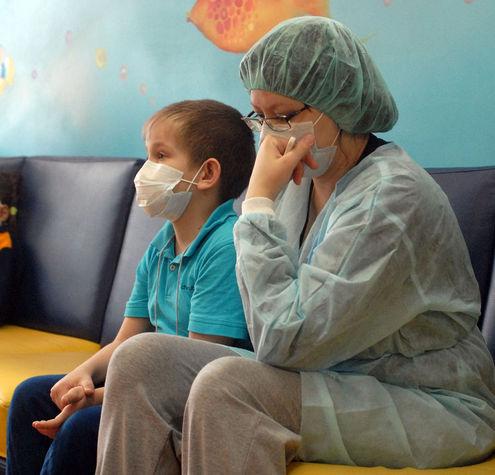Детей помогают лечить клоуны