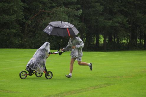 Гольф состоится в любую погоду!