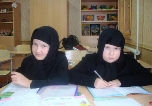 Фоторепортаж из оскандалившегося Боголюбского монастыря