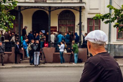 Оглашение обвинительного приговора Навальному: внутри и снаружи суда