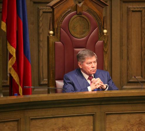 Председатель Верховного суда РФ Вячеслав Лебедев вернулся в строй