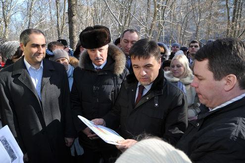 Люберчане подарили Андрею Воробьеву «Московскую область  в шоколаде»