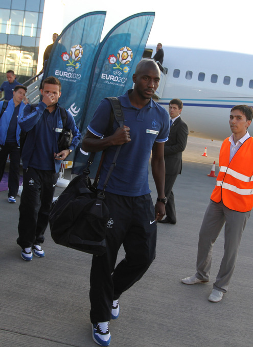 ЕВРО-2012: в Донецк прилетела сборная Франции