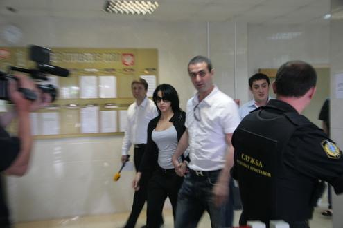Порнозвезда стеснялась камер только в суде
