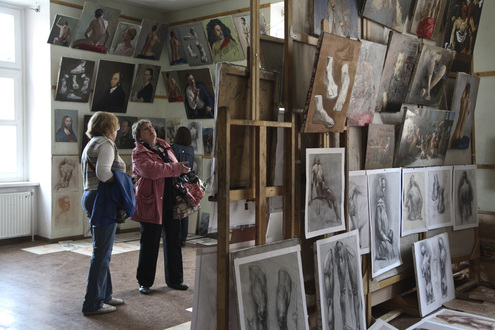 «МК» побывал на Дне открытых дверей в Академии живописи, ваяния и зодчества