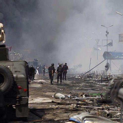 Трагические фото из Египта в Instagram. БТРы у отелей, жертвы и стрельба