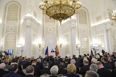 Медведев выступил с посланием Федеральному собранию
