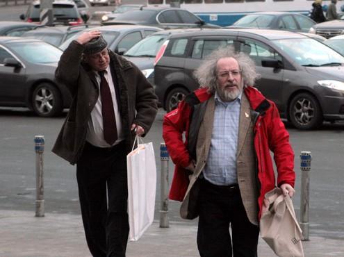 Горбачеву дарят подсолнухи и «Мерседесы»