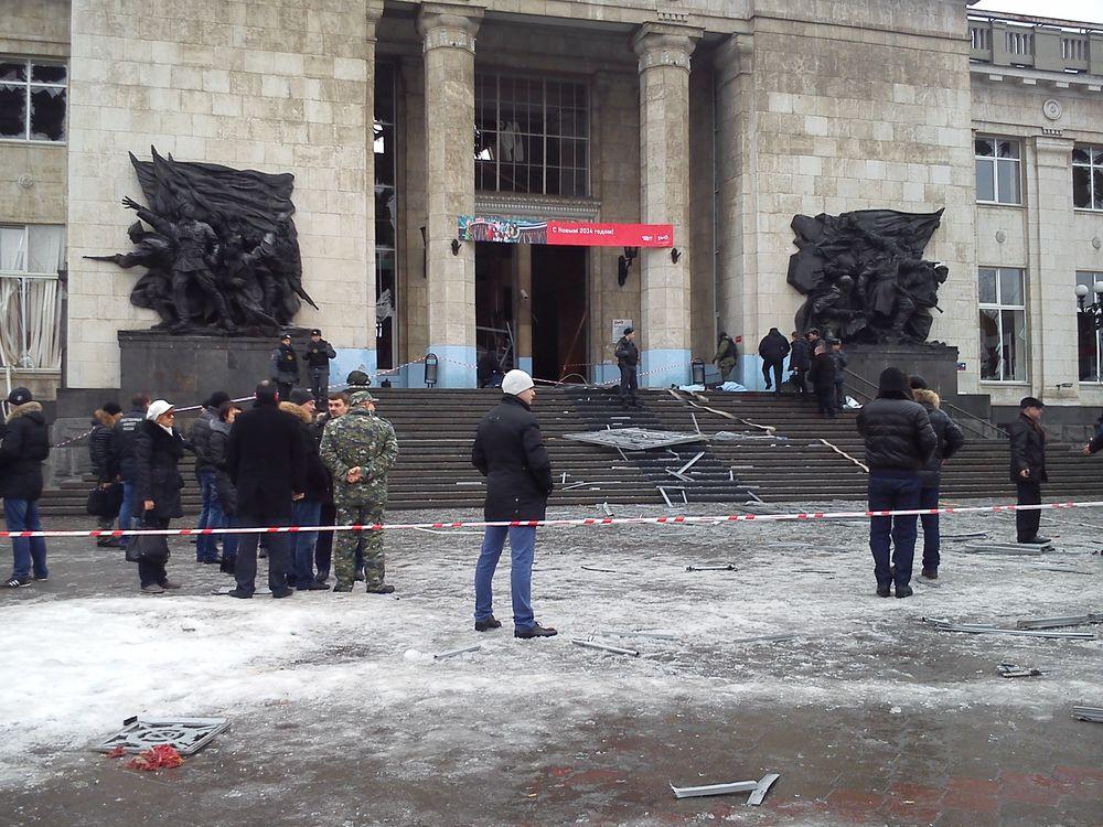 Последствия взрыва на ЖД вокзале в Волгограде