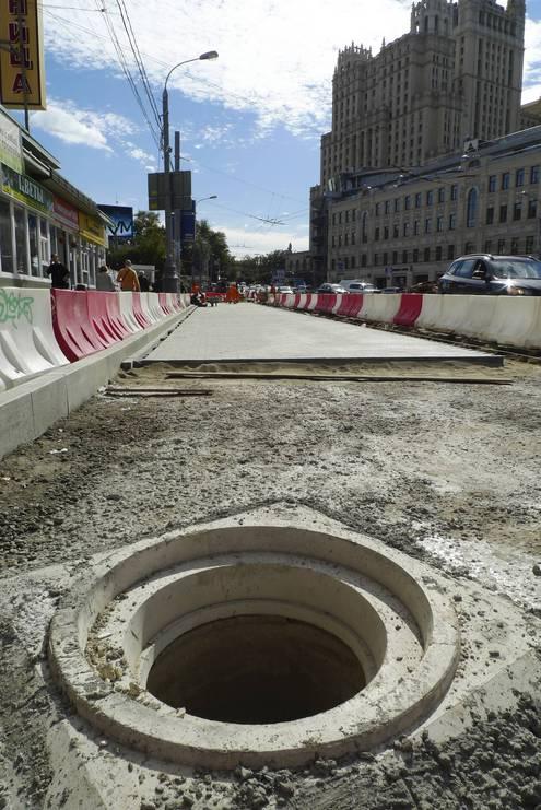 Историческую брусчатку меняют на тротуарную плитку