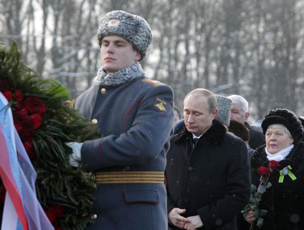 Путин приехал в Петербург в день 70-летия полного снятия блокады