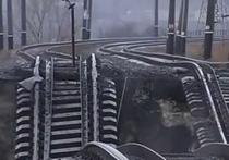 """Накануне переговоров о мире: в Мариуполе совершен теракт - взорван мост и убит охранник """"Азовсталь"""""""