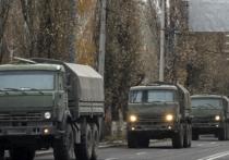 К Донецку движется колонна из более сотни военных транспортных средств