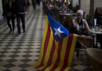 Каталония вышла на опрос о независимости от Испании