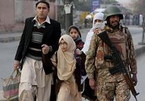 Пакистанские талибы мстят детям: в атаке на школу погибли 126 человек