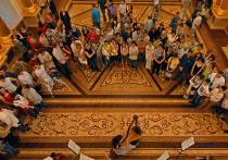 Ночью в оперный театр врываются непрофессионалы