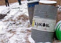 Цены на нефть поднялись выше пятилетнего минимума, рубль подрос
