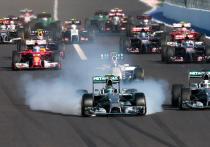«Формула-1»: старт дан, Квят проигрывает 4 позиции