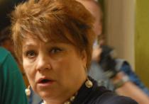 Нину Русланову вызвали в суд по подозрению в порче автомобиля