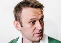 А кто такие Стрелков и Навальный?!  Большинство опрошенных «Левада-центром» этого не знают