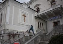 Воронцовский дворец растащили, Ливадийский сползает в море. Как спасти памятники в Крыму