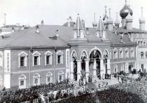 Москвичей научат проходить сквозь кремлевские стены