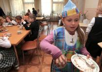 Работников детских садов станут штрафовать за грязь в столовой