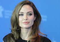 Российские врачи предупреждают Анджелину Джоли об опасности ветрянки