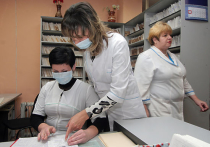 Еще сейчас не поздно уколоться от гриппа, а через несколько месяцев можно будет привиться и от Эболы