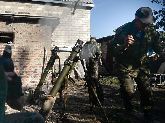 Голландских экспертов, прибывших за обломками боинга, на Украине встретили боями