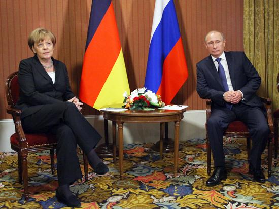 Путин - Меркель: «Больше затягивать отправку гуманитарного конвоя было нельзя»
