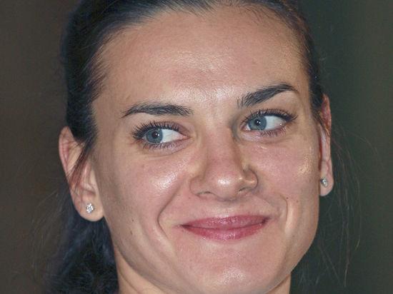 Елена Исинбаева родила дочь в Монако