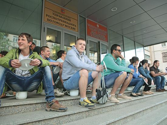 Любители шашлыка сели на горшок в знак протеста