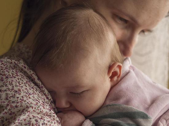 Кормление грудью повышает IQ и будущую зарплату ребенка на 6 тысяч рублей