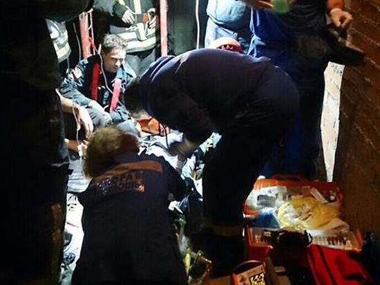Житель Москвы, упавший в шахту дымоудаления в центре столицы, чудом остался жив