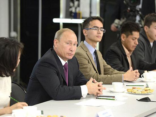 Путину пообещали клонировать мамонта и заставили ответить на вопрос об Украине