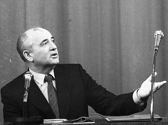 Горбачев начал отмечать 30-летие перестройки и продолжил давать советы Путину