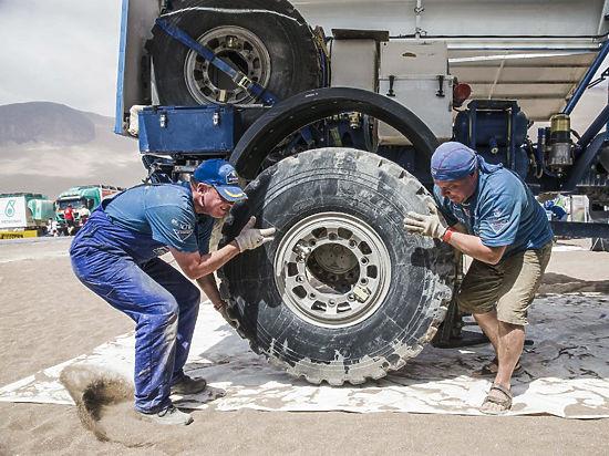 Российские пилоты отдохнули после главного испытания гонки «Дакар»