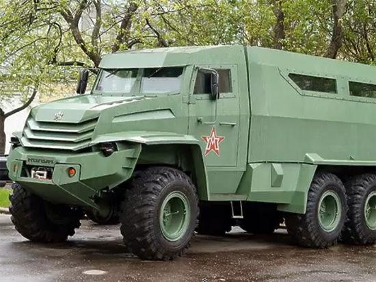 Путину показали «вежливые броневики» «Колун» и «Торос»