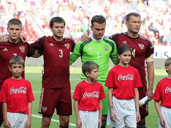 Сборная России по футболу опустилась на 31-ю строчку рейтинга ФИФА — это худший результат за 8 лет