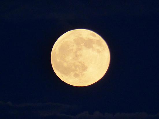 Из-за полной луны августовский звездный дождь станет невидимкой