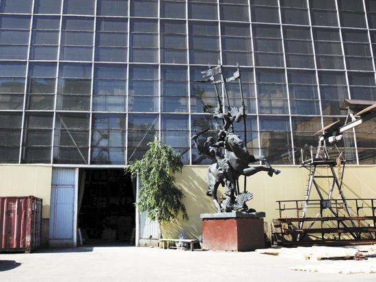 Уникальное предприятие монументальной скульптуры приравняли к ресторану