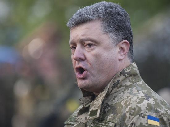 Порошенко рассмотрит вопрос о возвращении Бандере и Шухевичу звания «Герой Украины»