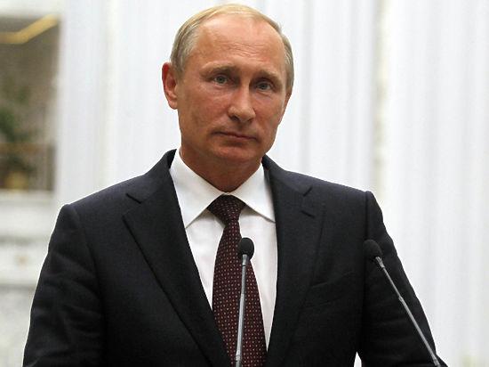 В настоящее время глава Чечни на своем посту незаменим