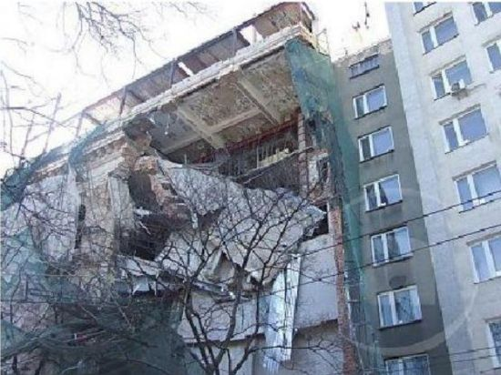 Пятиэтажный жилой дом в Липецкой области частично обрушился из-за взрыва газа
